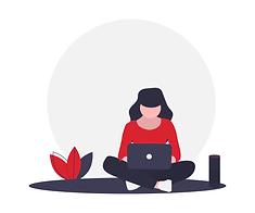 Femme assise les jambes croisées, ordinateur sur les genoux