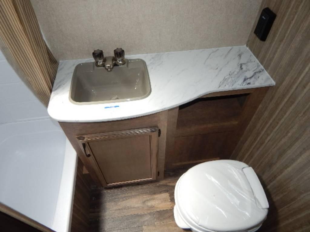 19BHS Bathroom