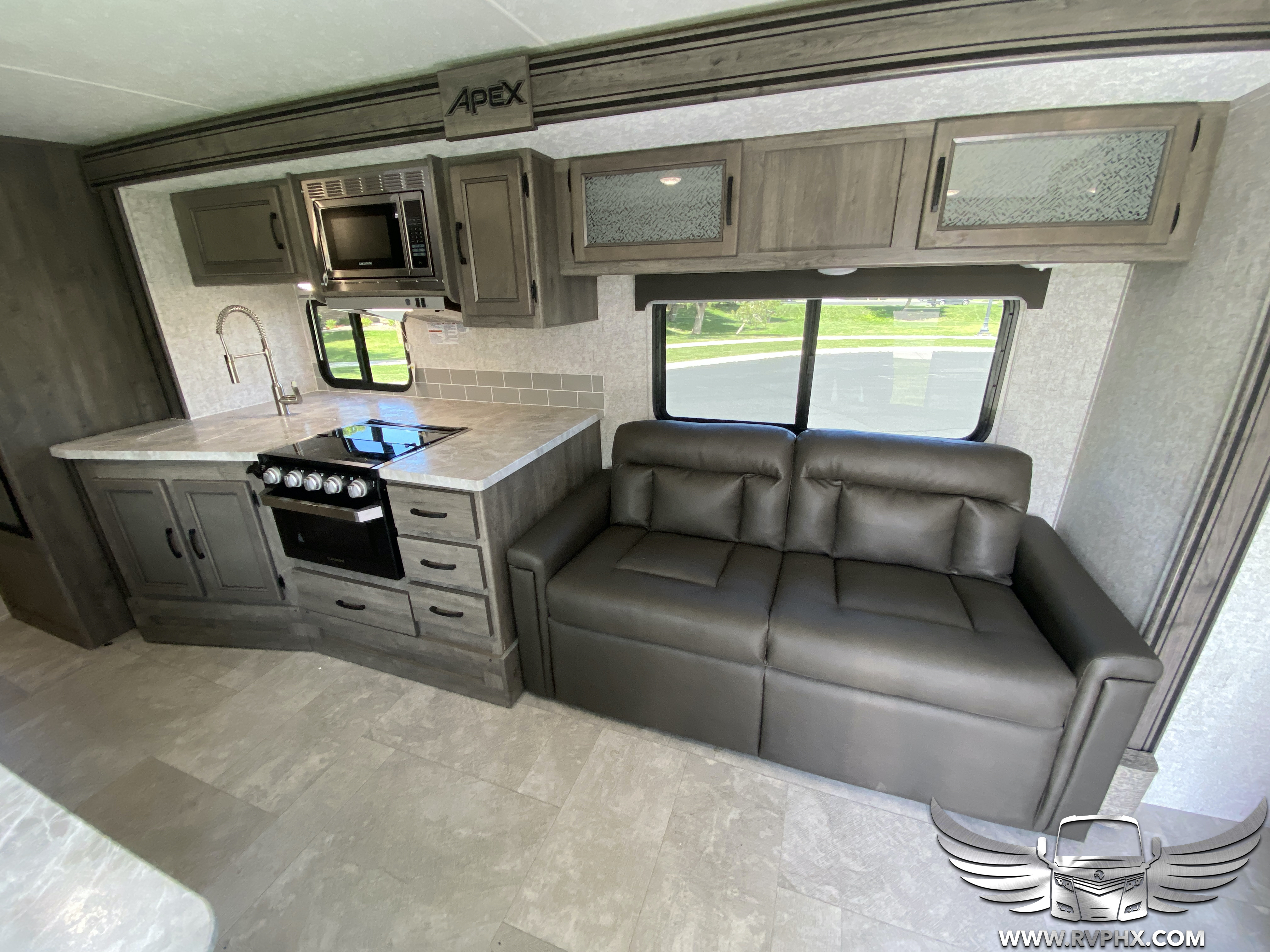 300bhs interior 5