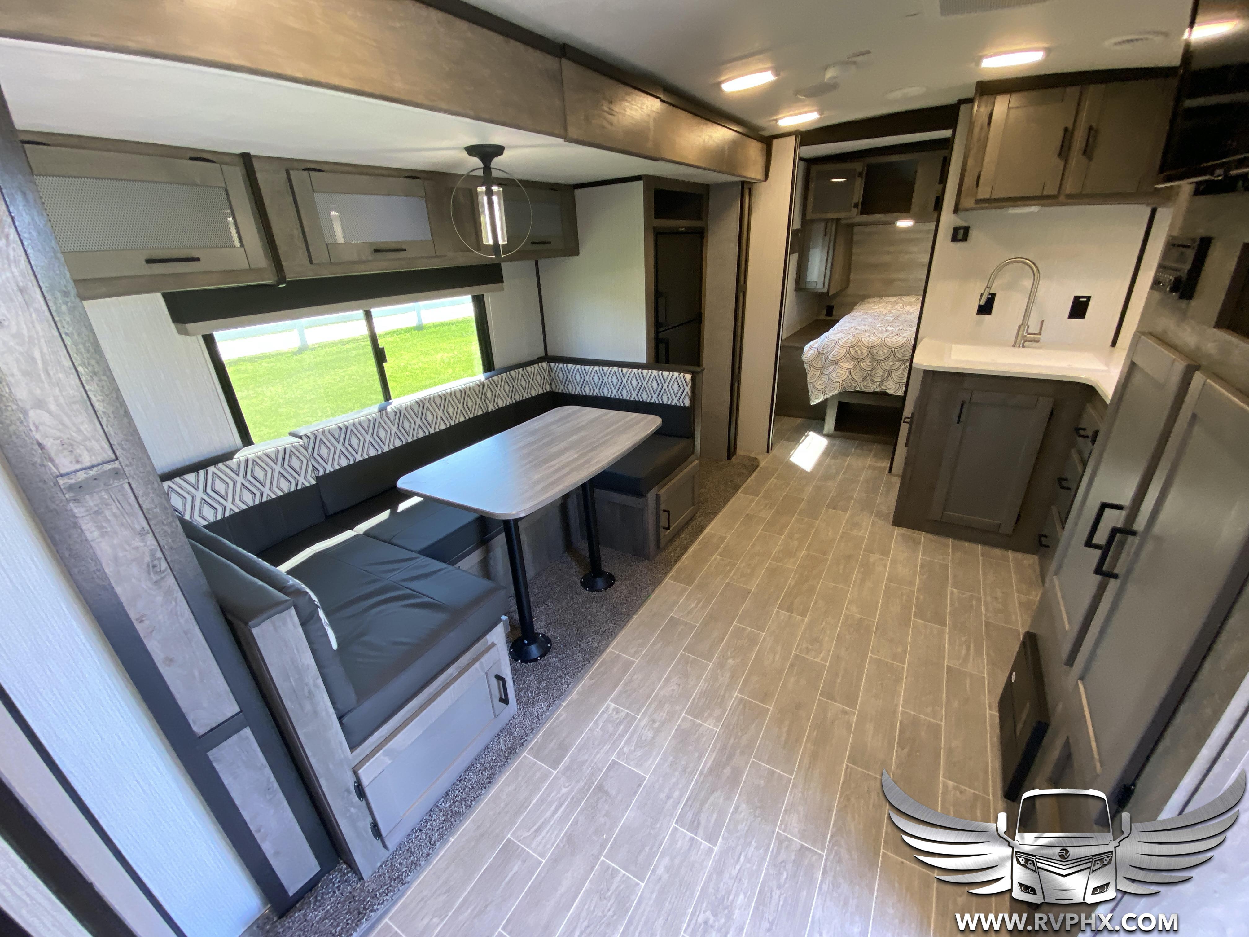 2510bh interior 0