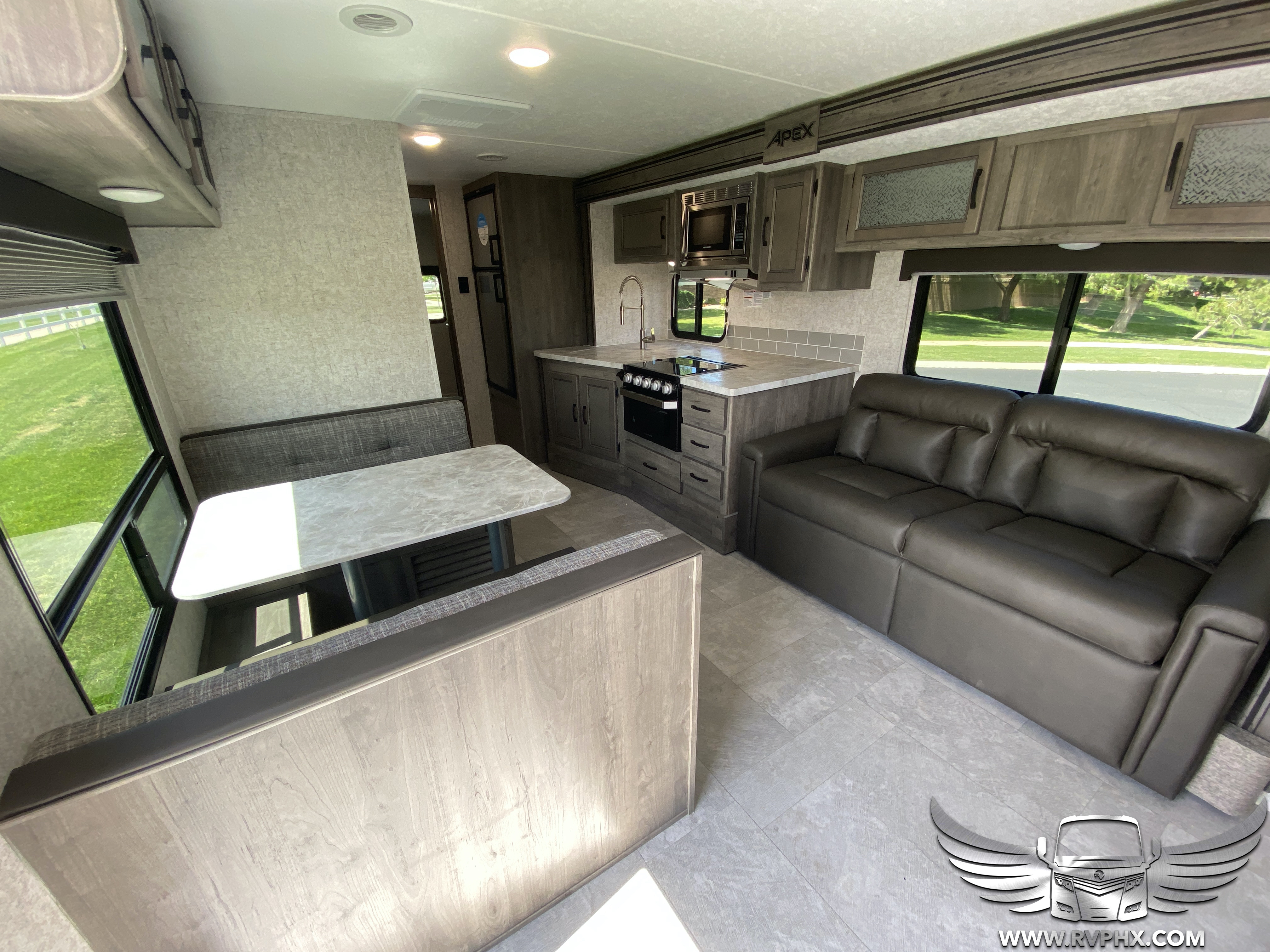 300bhs interior 6