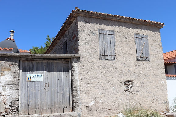 House for sale in Eressos in a good part of the village