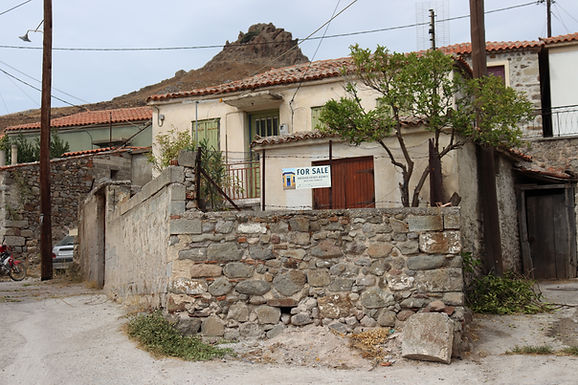 House with yard for sale in Eressos