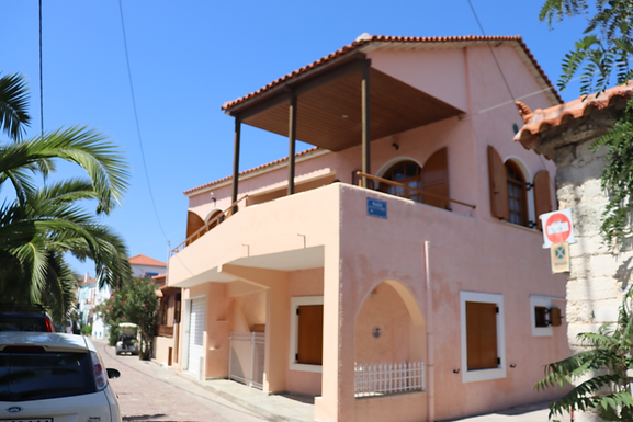 House for sale in the center of Skala Eressos 50 meters from the beach