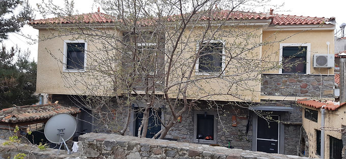 Newly built house in Eressos with a large yard fully equipped