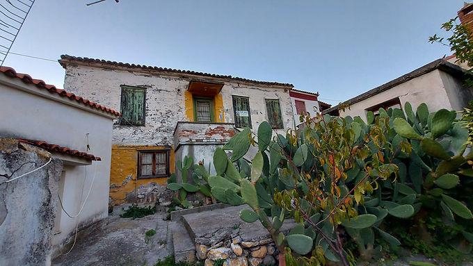 House for sale in Eressos with yard and view