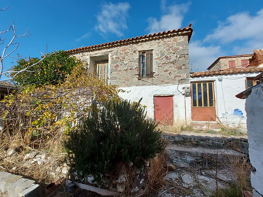 Eressos Traditional house with yard for sale