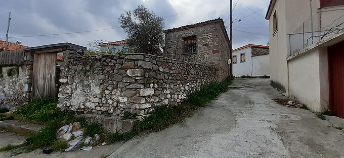 House for sale in Eressos with elevated ground floor and very large yard