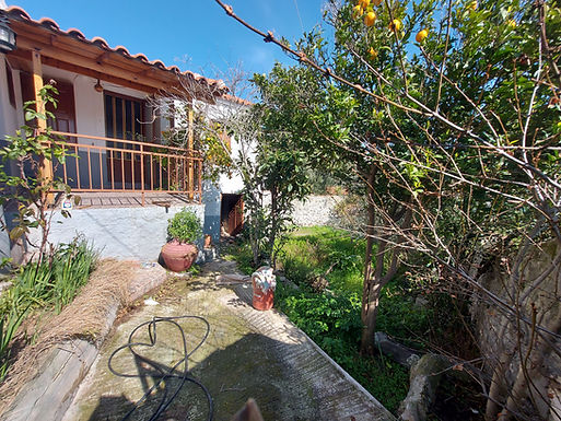 House for sale in Eressos Lesvos with a beautiful yard