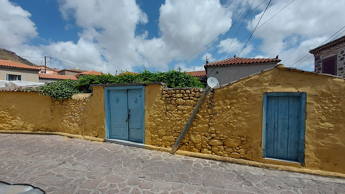 Excellent house for sale in Eresos Lesvos habitable with a very large yard