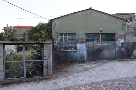 Commercial space for sale in Eressos with a large plot
