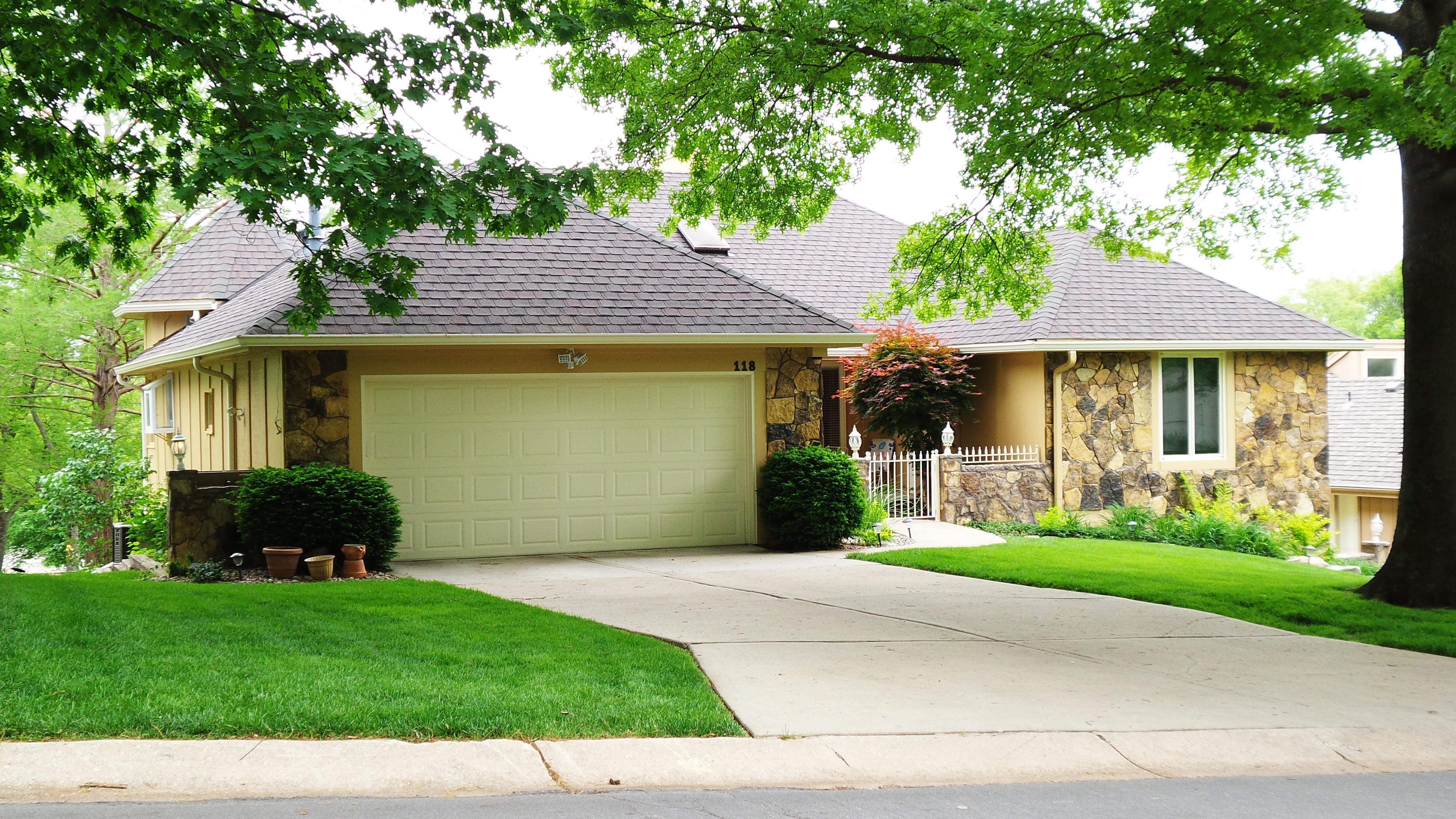 Homes 2000 - 2999 sqft