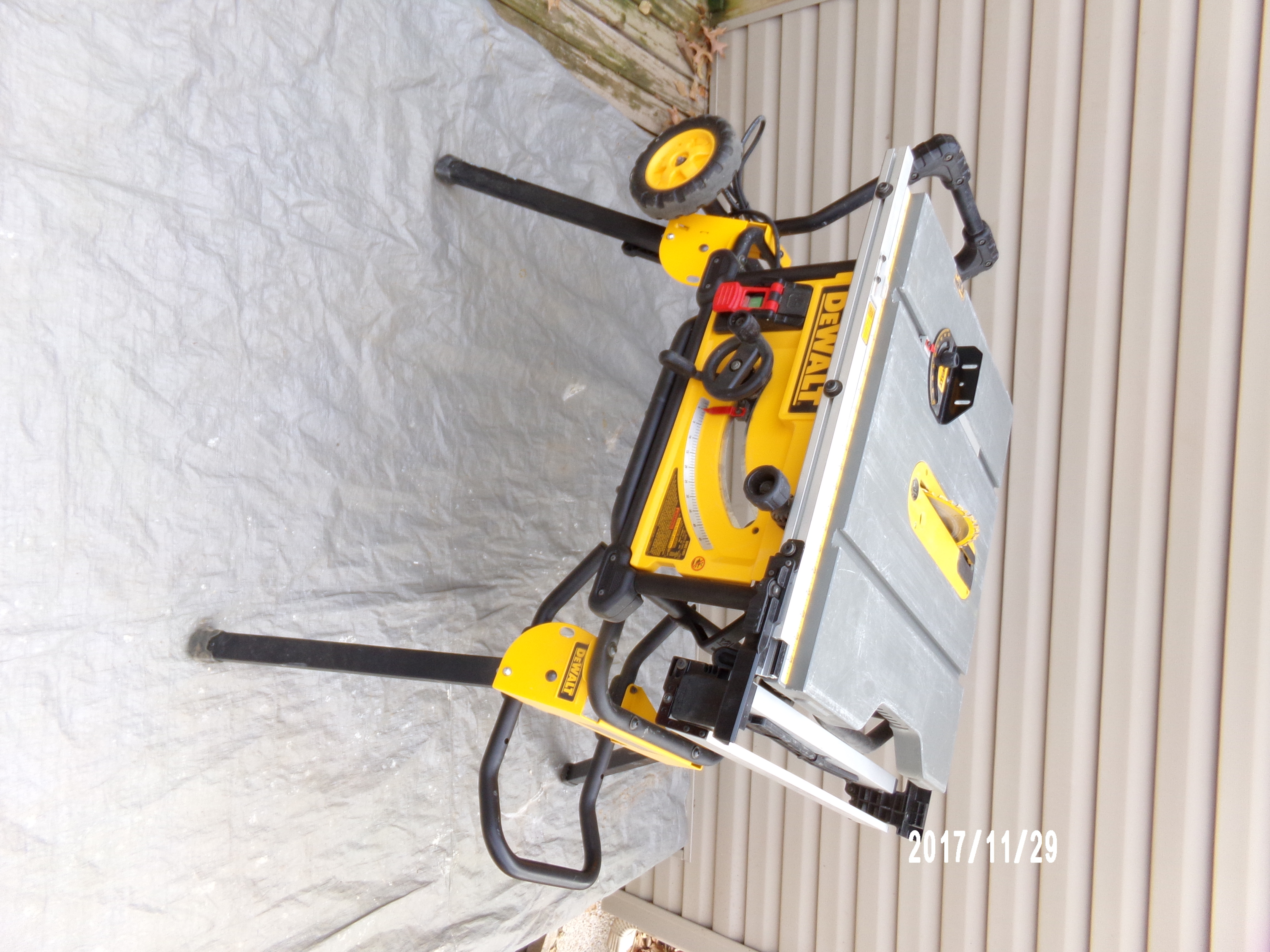 "DEWALT 10"" FOLDING TABLE SAW"