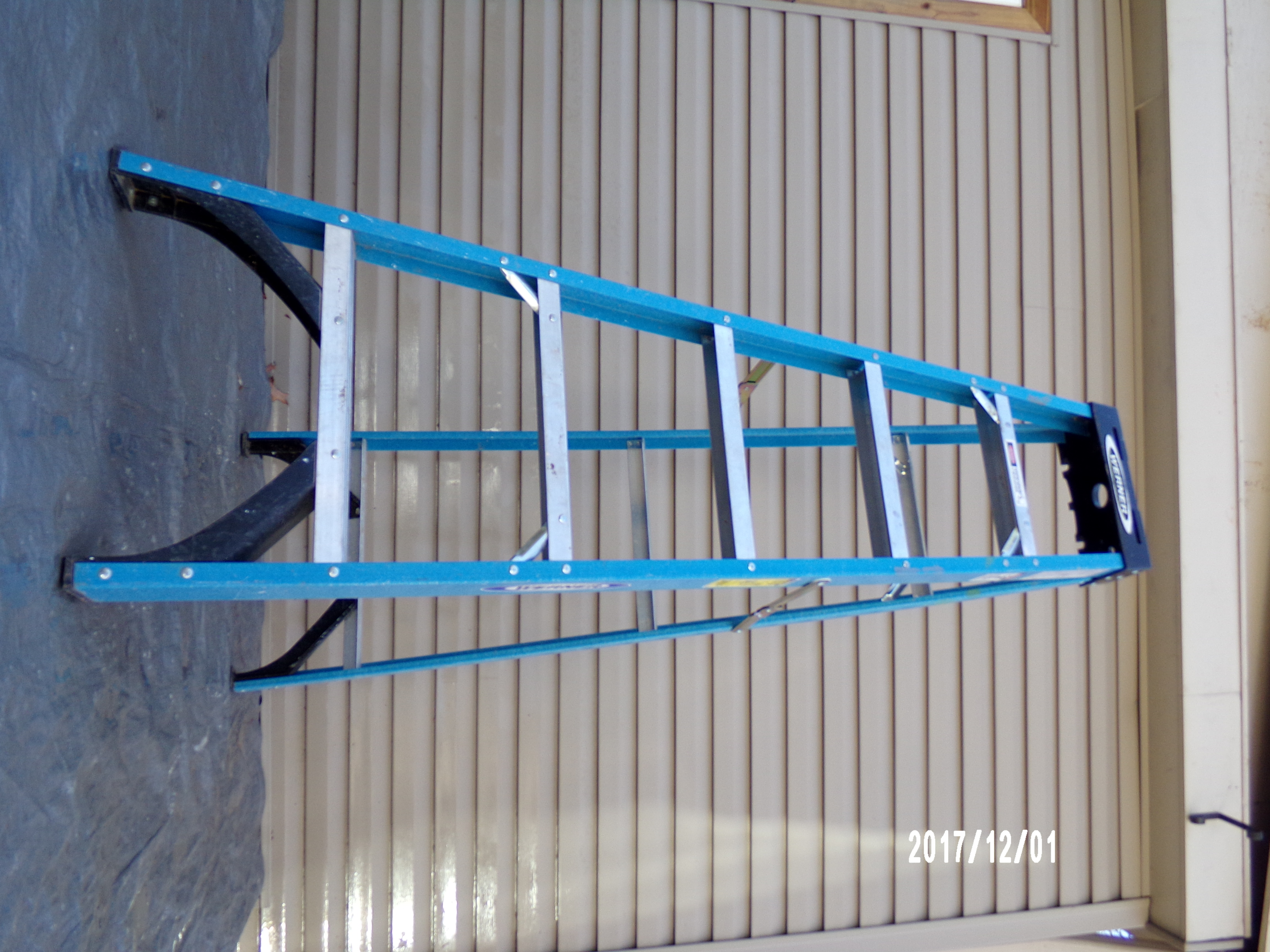 WERNER 6-FT. STEPLADDER