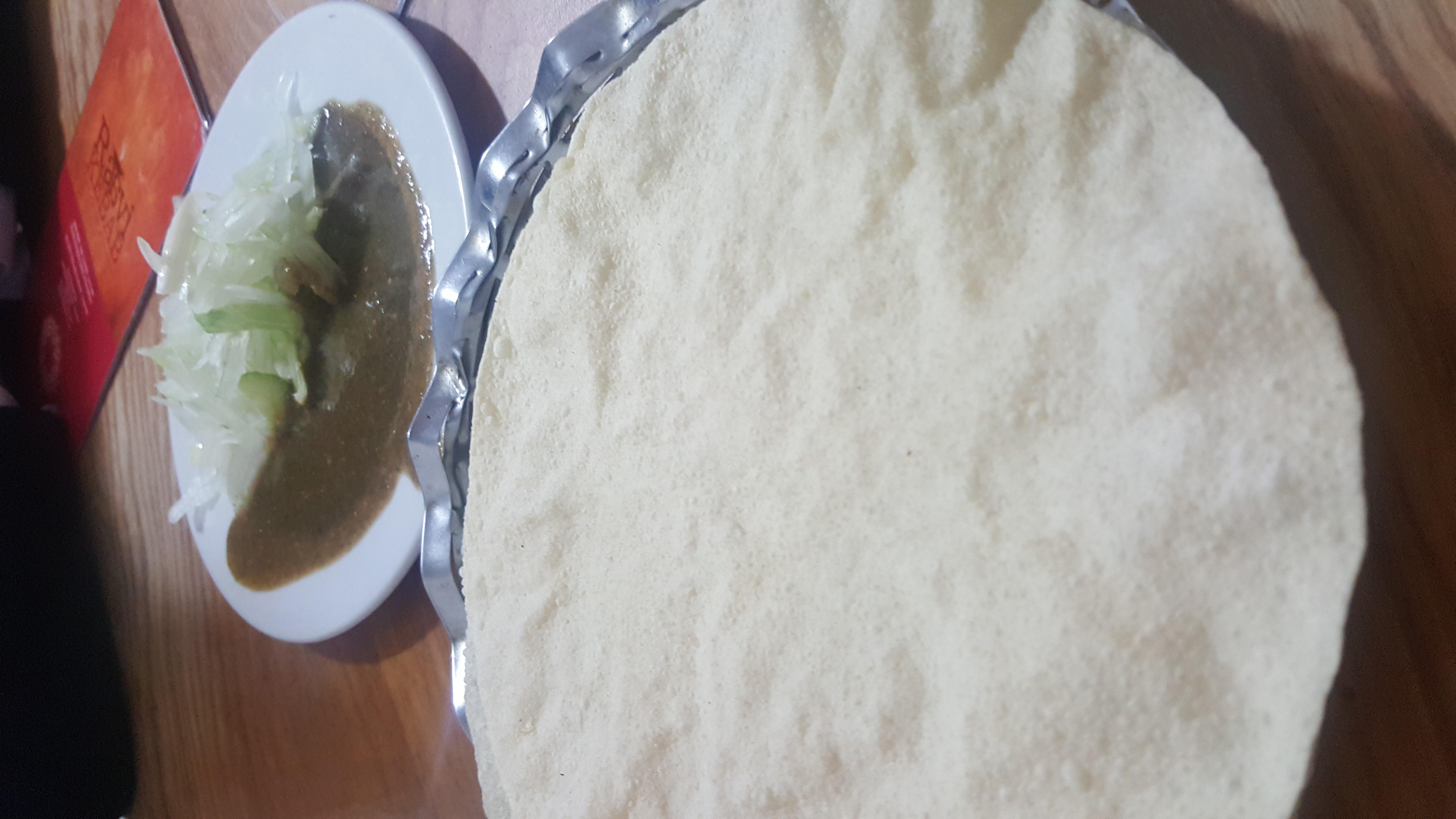 Poppadoms with green sauce