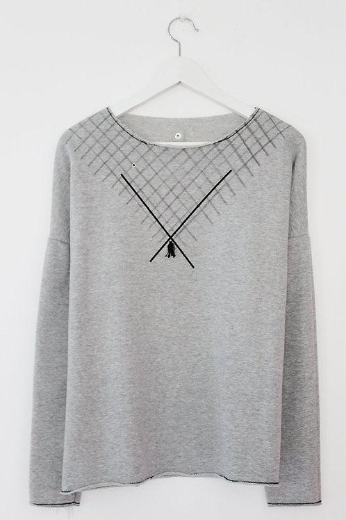 Grey sweatshirt with diagonals print