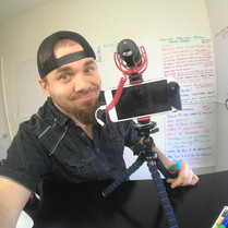 Live-Streaming-Tripod-Rode-Microphone-Tr