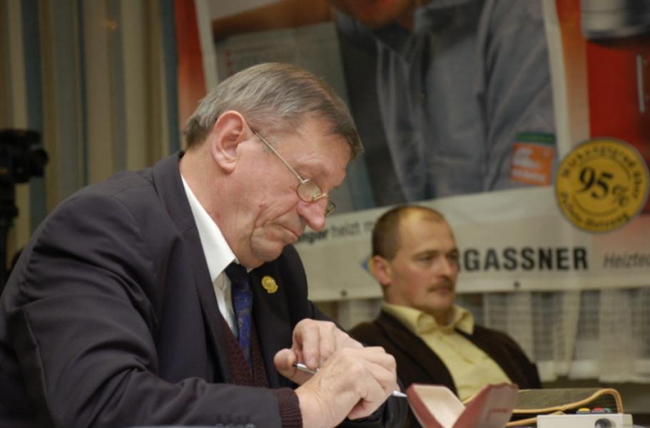 Schiri Hermann und BGM Moser