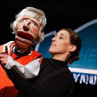 Schubert Theater (Manuela Linshalm) – Weihnachtliche Wiener Würstel scharf-süß