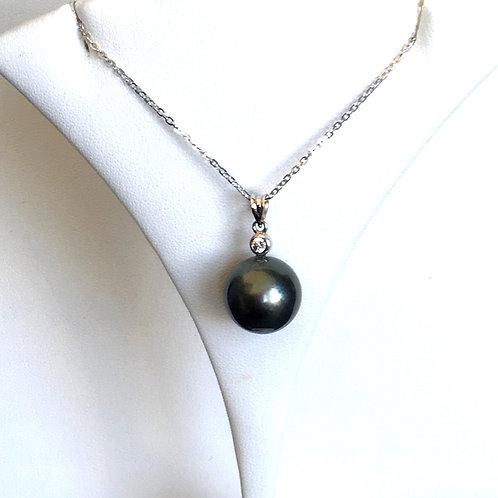 Large Dark Tahitian Pearl White Sapphire pendant top