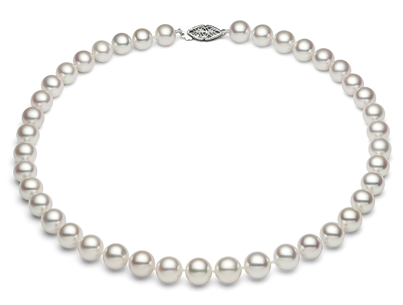 Classy Japanese AKoya Pearl necklace