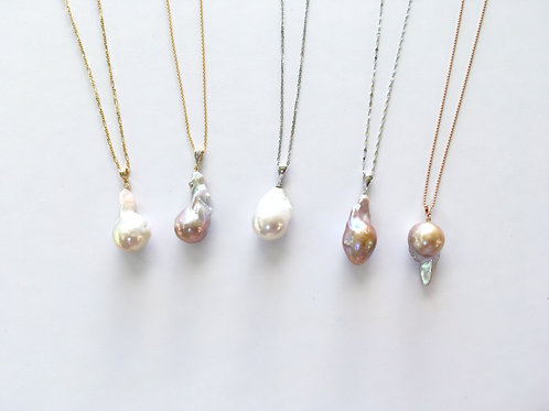 Baroque pearl pendant on 14K GOLD chain