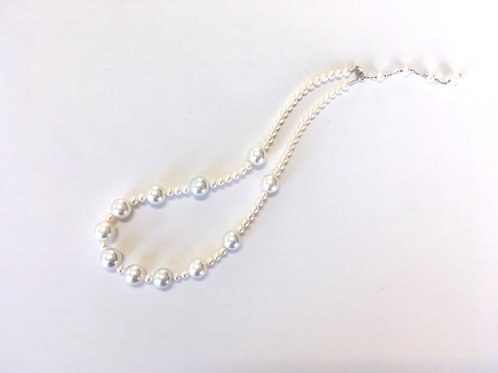 White South Sea Pearl station necklace