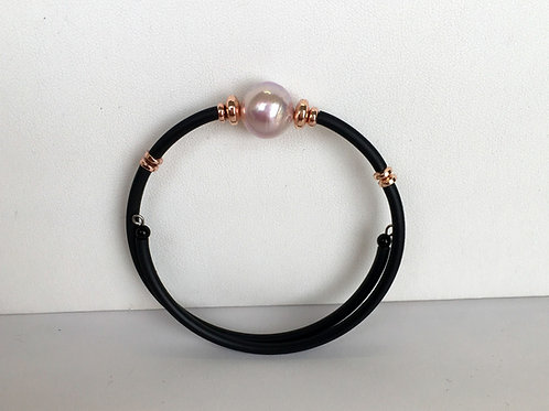 Pink pearl on rubber wire bracelet