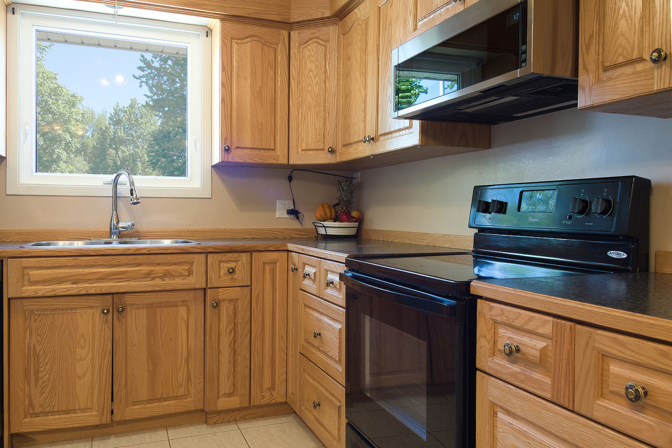 Kitchen 4 - 1 Tanager For Sale