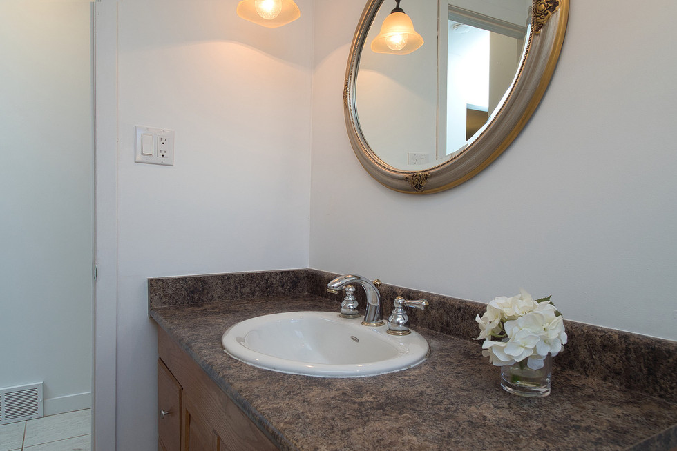 Bathroom 3 - 1 Tanager For Sale