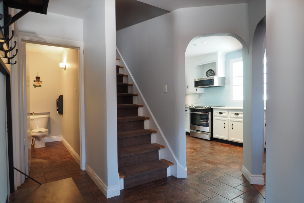 59 Belleview For Sale - Main Hall 2