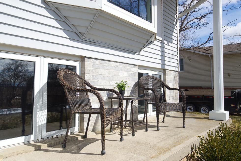 139 Queen St - Front Porch