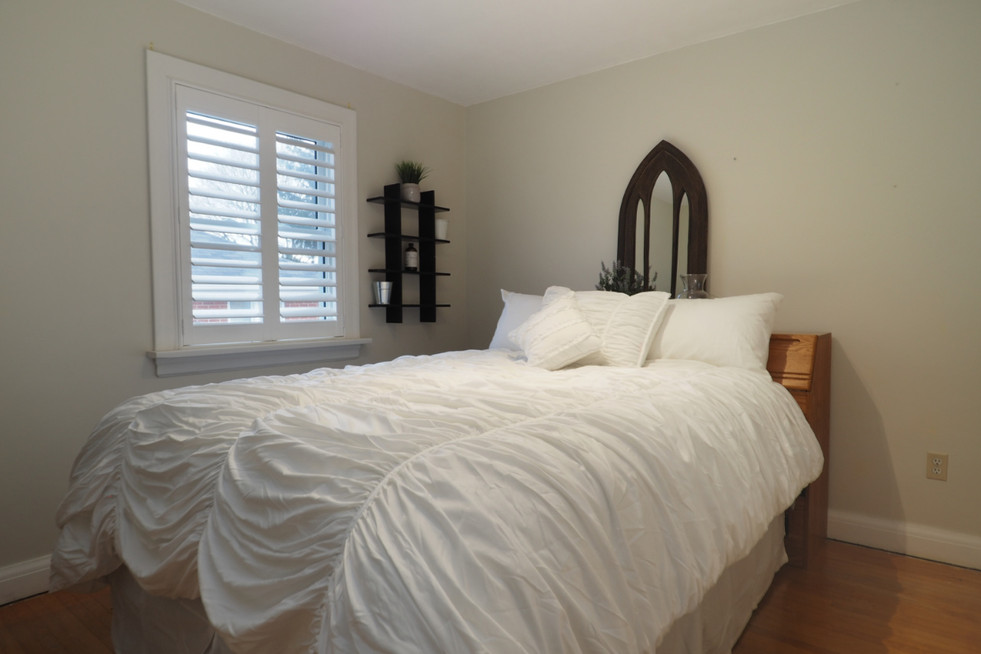 59 Belleview For Sale - Main Floor Bedroom 1