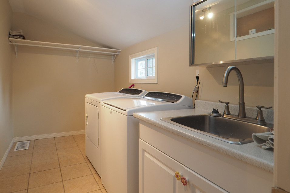 59 Belleview For Sale - Laundry Room