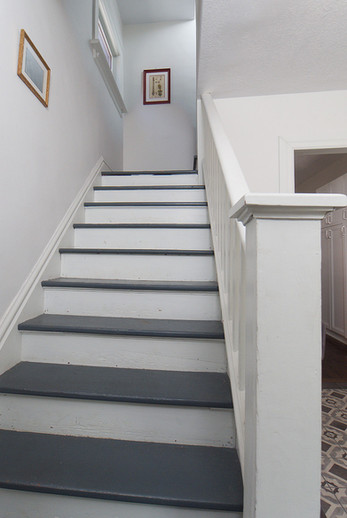 Stairs - 137 Madison Ave S For Sale