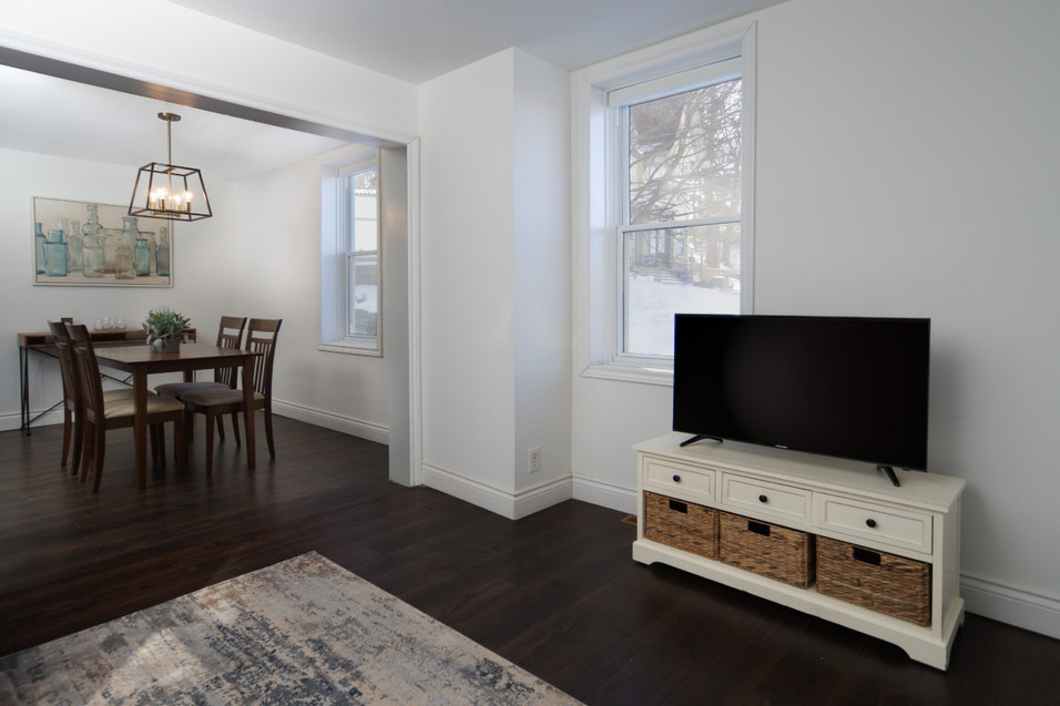 114 Queen St W - Living and Dining Room