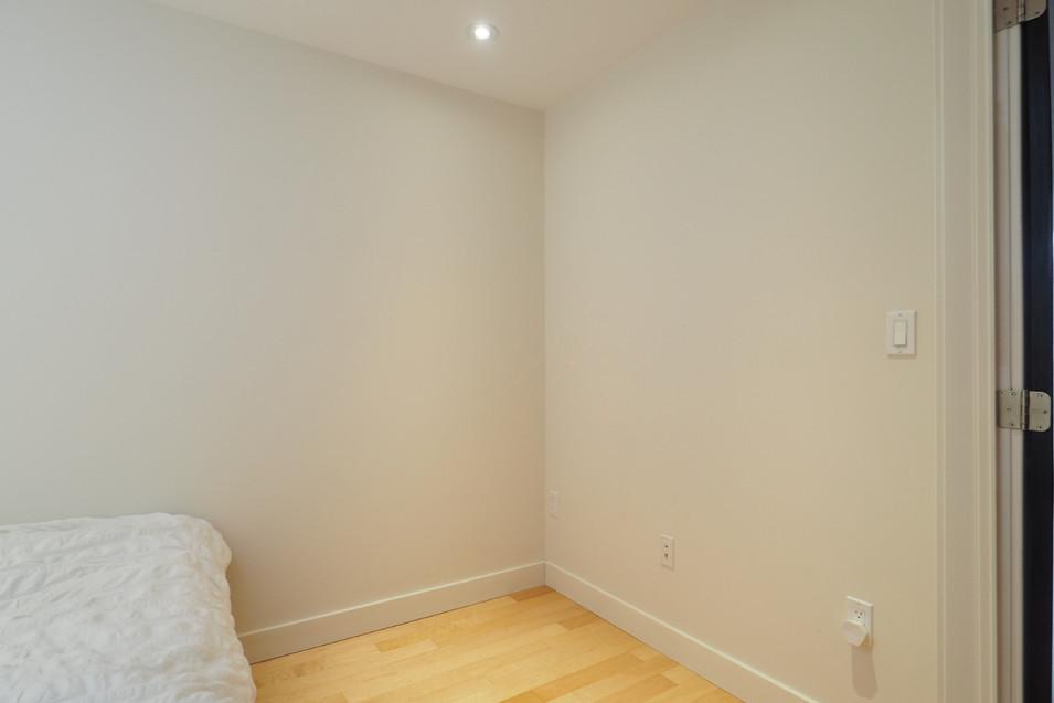209-188 King - Bedroom 2