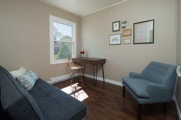 Bedroom - 9 Windsor Crescent For Sale