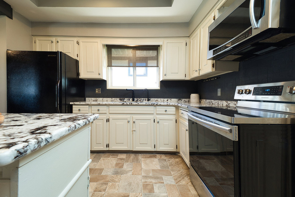 Kitchen 4 - 294 Maurice For Sale