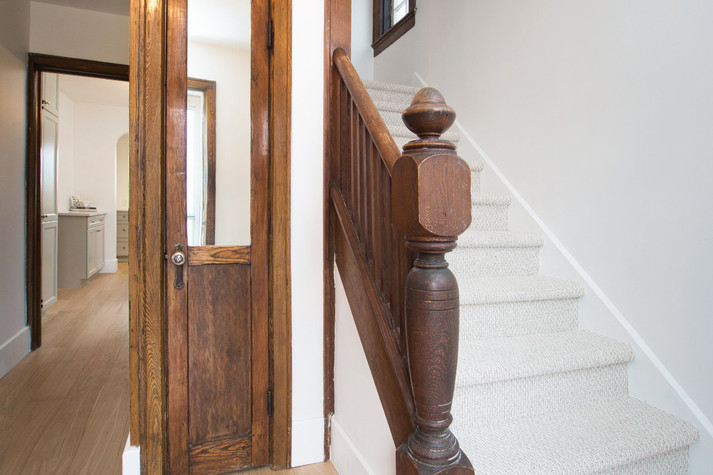 Front Hall - 410 Courtland Ave E