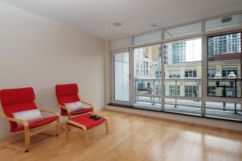 209-188 King - Living Room