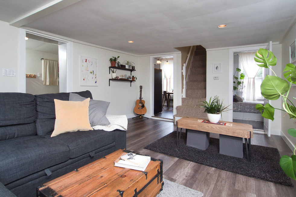 Living Room 6 - 17 Portland