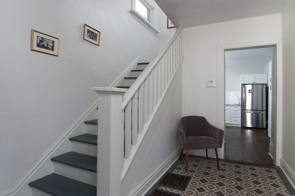 Foyer - 137 Madison Ave S For Sale