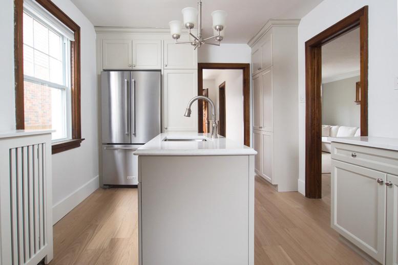 Kitchen 5 - 410 Courtland Ave E
