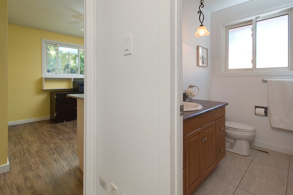 Bathroom - 1 Tanager For Sale