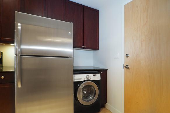 209-188 King - Laundry