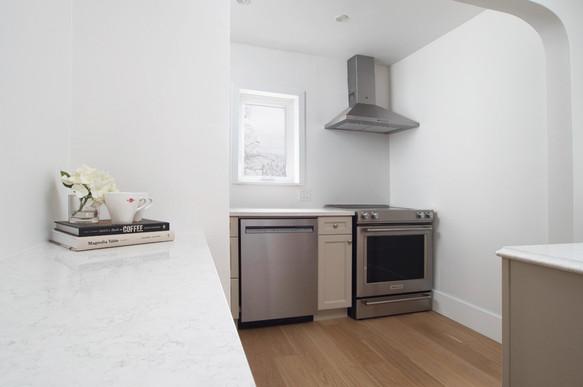 Kitchen 3 - 410 Courtland Ave E