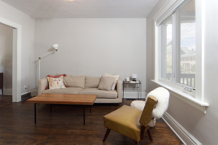 Living Room - 137 Madison Ave S For Sale