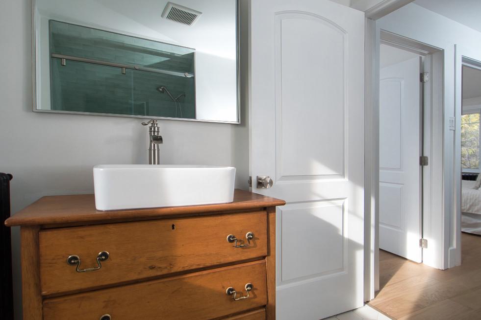 Bathroom 4 - 410 Courtland Ave E