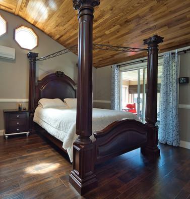 Master Bedroom 2 - 294 Maurice For Sale